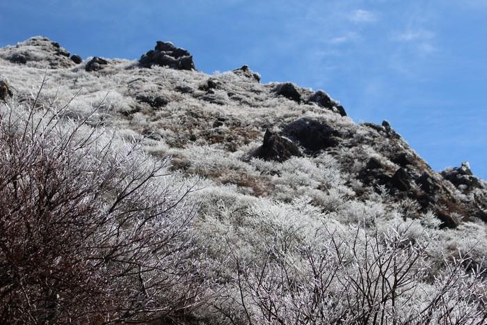 由布岳 山頂 近く