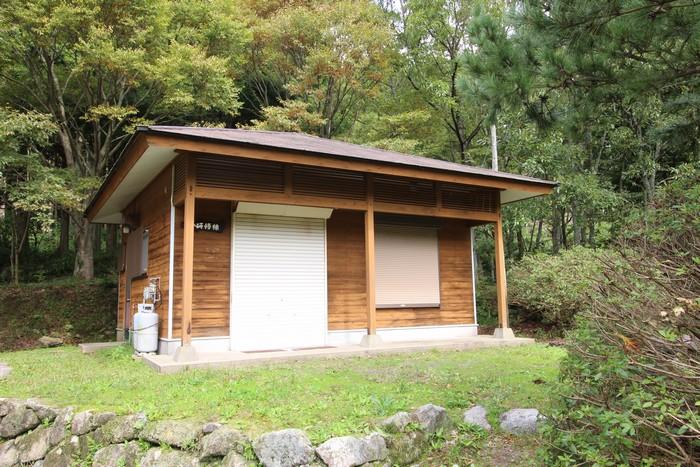 真名子木の香ランドキャンプ場小研修棟