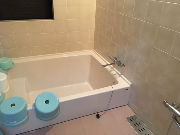 シャワー室 浴槽2