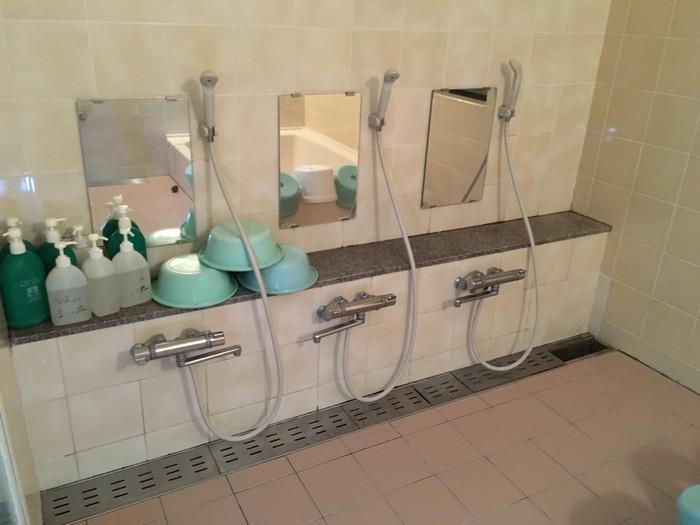シャワー室 浴槽3