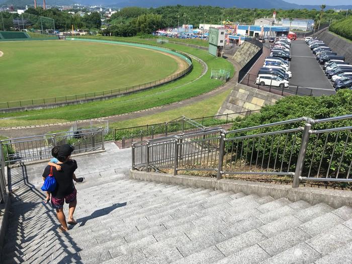 田川市市民プール 階段