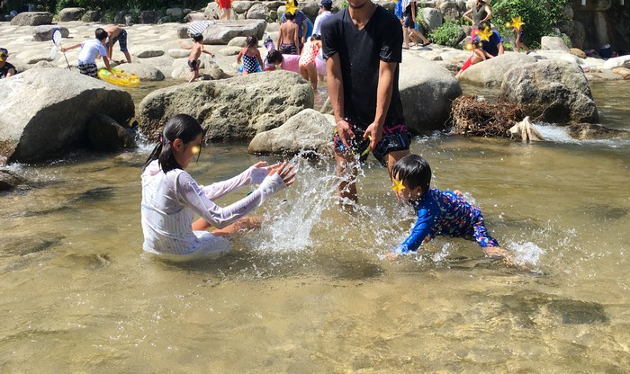 中ノ島 水遊び