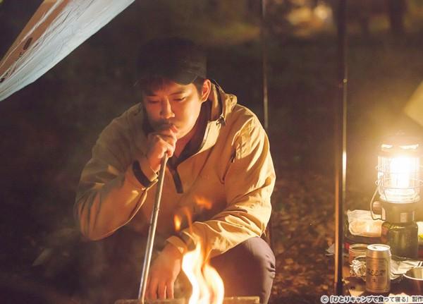 1人キャンプ 主人公