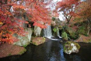 渓石園 滝