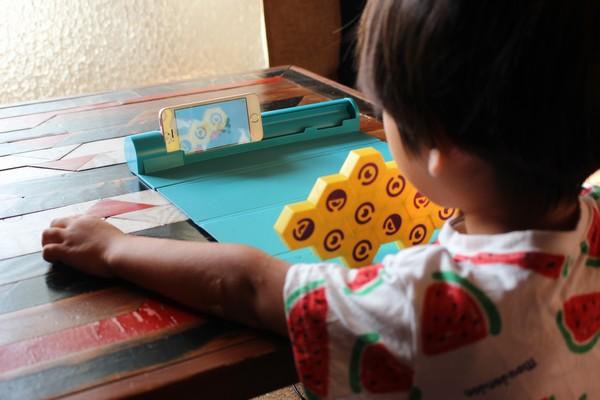 知育玩具 PLUGO