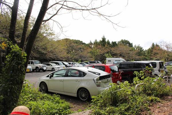 上野登山口 駐車場
