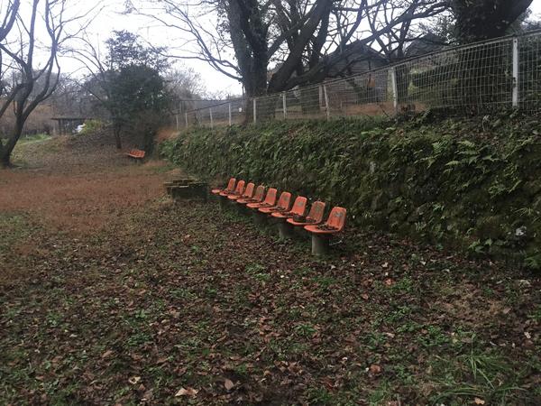 吉井百年公園 上段 ベンチ