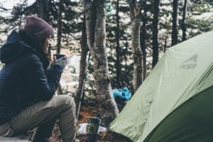 キャンプ 女